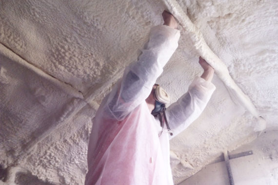 Tepelná izolace plechové stěny vrodinném domě měkkou PUR