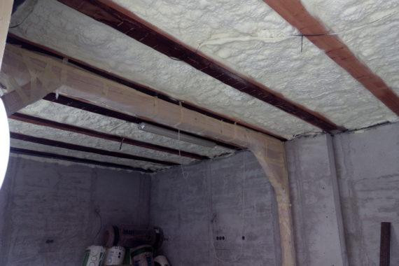 Zateplení stropu místnosti, pur izolace, PUR pěna, Stříkaná izolace