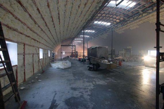 Průmyslová tepelná izolace haly, PUR pěna, Stříkaná izolace, PUR izolace