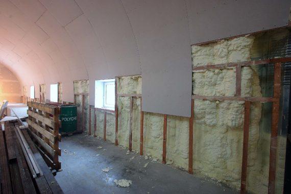 Průmyslová tepelná izolace haly, stříkaná izolace, PUR izolace, PUR pěna