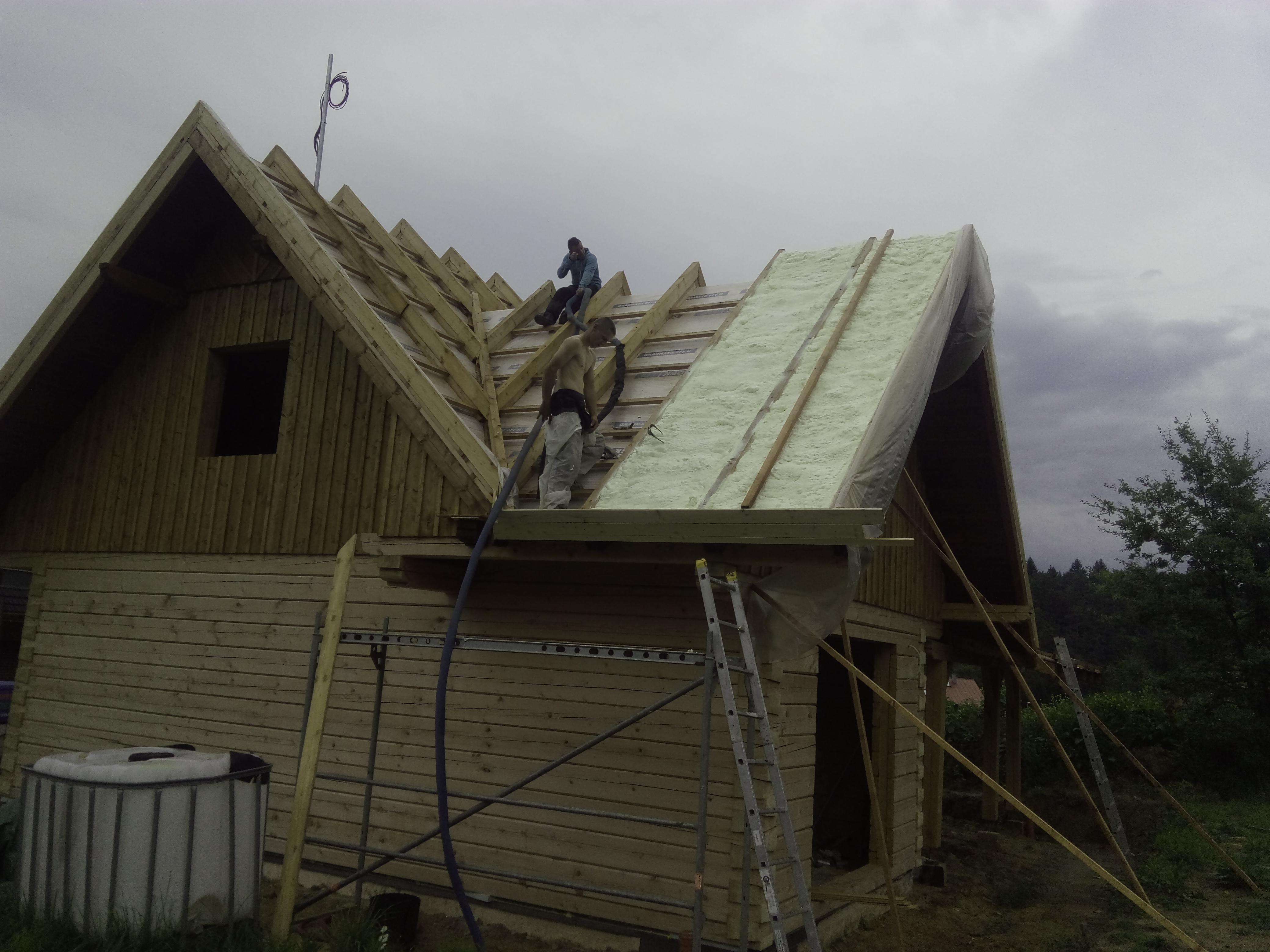 Izolace střechy dřevostavby