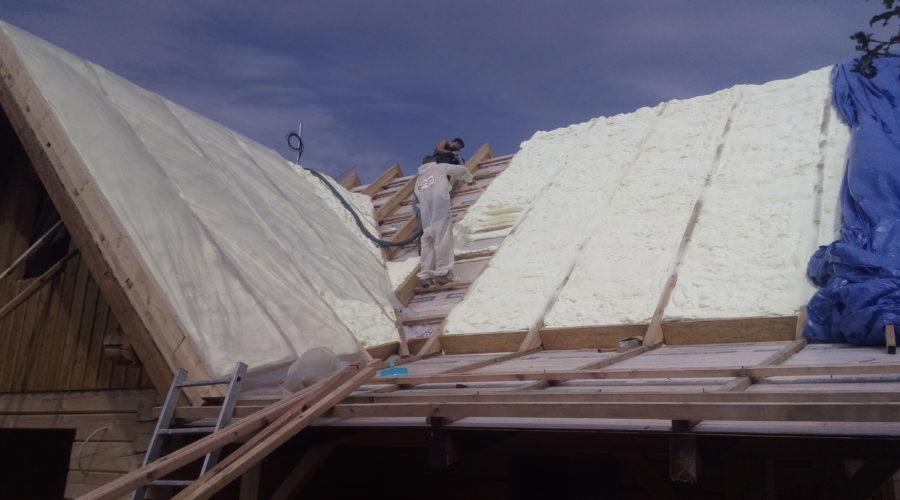 zateplení střechy, stříkaná izolace PUR pěna