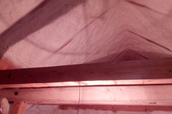 vnitřní izolace domu, stříkaná izolace, PUR pěna, izolace pěnou
