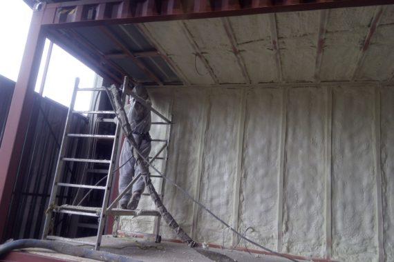 tepelná izolace kontejneru, stříkaná izolace, PUR pěna, izolace pěnou