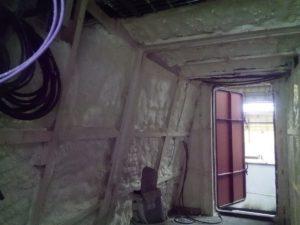 Izolace interiéru lodi, hydroizolace, PUR izolace, stříkaná izolace