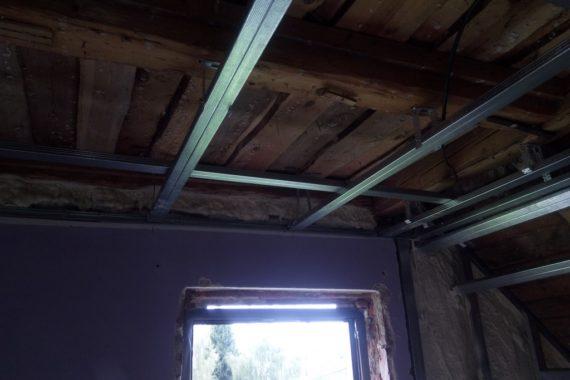 zateplení stěn, zateplení stropu, zateplení pěnou, pěnová izolace