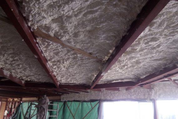 stříkaná izolace haly, PUR pěna, pěnová izolace