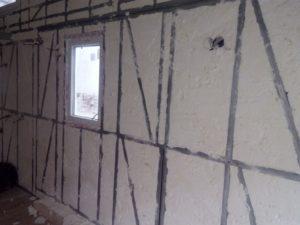 tepelná izolace stěn mobilhaimu, izolace instalací, stříkaná izolace, PUR izolace, izolace pěnou