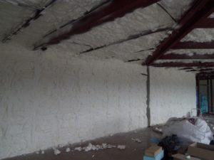 stříkaná izolace haly, zateplování pěnou, pěnová izolace, PUR pěna