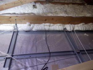 izolace podlahy na folii. pěnová izolace, PUR pěna