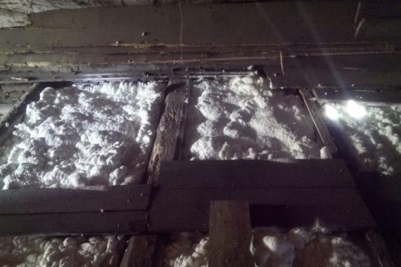 měkká PUR pěna, pěna PUREX, stříkaná izolace, zateplení podlahy