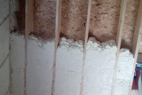 izolace do dřevěné konstrukce, PUR pěna, stříkaná izolace